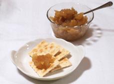 材料(作りやすい量)しょうが:大1個(150g)りんご:1個レモン汁:大さじ1砂糖:150g水:1/2カップ