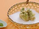たらの芽は「山菜の王様」と呼ばれるほど味のよいことで知られており、栄養的にも優れています。面倒なアク抜きのテマいらずで料理できるのも魅力です。食べ方は天ぷらが一番。揚げたてを、抹茶塩少々をつけて召し上がれ。詳細はコチラへ