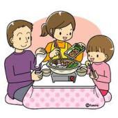鍋料理、シチュー、スープ、煮物などを食べて体を温めましょう。煮込み料理は消化も良く、お腹に優しいメニューです。生野菜、サラダばかりでは体を冷やします。体を温める作用があるものと一緒に食べると良いでしょう。