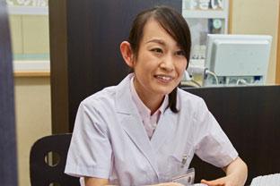 より患者様に近い立場で、薬剤師としての資格や知識を活用したかった。 東海道薬局の「全ての患者様に満足していただけるよう、患者様、一人ひとりに合わせた接客」、それを実現する「教育研修制度」に惹かれ、転職を決めました。